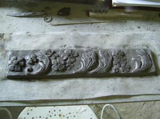 Frise en argile, dallage sculpté initiation, fausse pierre